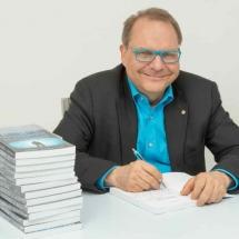 Joerg-Eugster-Bestsellerautor-1024x576